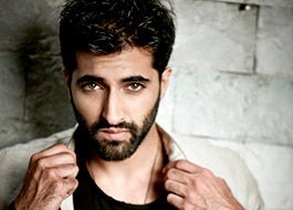 Akshay Oberoi starts shoot for his next Bombairiya