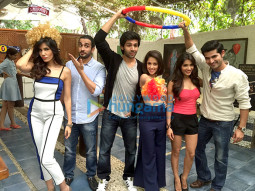 Sonalli Sehgall, Sunny Singh Nijjar, Kartik Aaryan, Nushrat Bharucha, Ishita Sharma 1, Omkar Kapoor