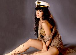 Bhushan Kumar's sister Khushali Kumar to make debut in music video