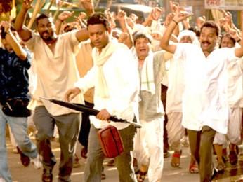 Movie Still From The Film Billu,Irrfan Khan,Asrani