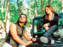 Movie Still From The Film Kaal Featuring John Abraham,Esha Deol