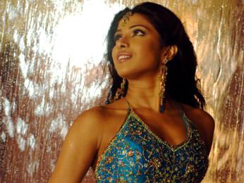 Movie Still From The Film Salaam-E-Ishq,Eesha Koppikar