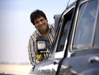 Movie Still From The Film Salaam-E-Ishq,Govinda