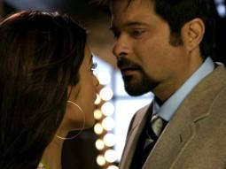 Movie Still From The Film Salaam-E-Ishq,Juhi Chawla,Anil Kapoor
