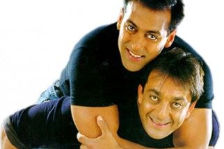 Movie Still From The Film Chal Mere Bhai Featuring Sanjay Dutt,Salman Khan
