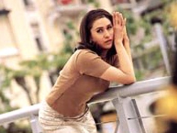 Movie Still From The Film Dulhan Hum Le Jayenge Featuring Karisma Kapoor