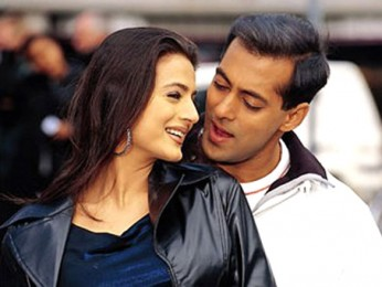 Movie Still From The Film Yeh Hai Jalwa Featuring Amisha Patal,Salman Khan