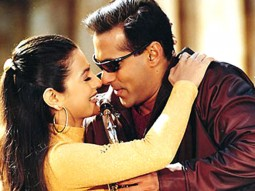 Movie Still From The Film Yeh Hai Jalwa Featuring Amisha Patel,Salman Khan