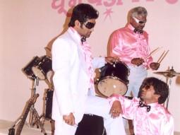 On The Sets Still From The Film Phir Hera Pheri Featuring Sunil Shetty,Sharat Saxena,Rajpal Yadav