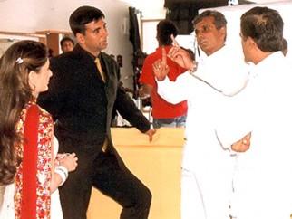 On The Sets Of The Film Aitraaz Featuring Akshay Kapoor,Kareena Kapoor