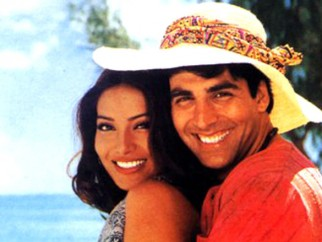 Movie Still From The Film Ajnabee Featuring Bipasha Basu,Akshay Kumar
