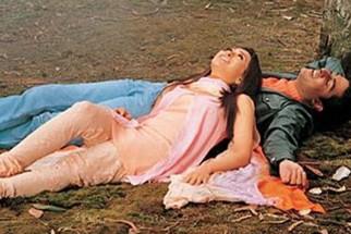 Movie Still From The Film Haan Maine Bhi Pyaar Kiya Featuring Karisma Kapoor,Abhishek Bachchan