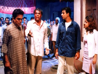 Movie Still From The Film Ek Rishtaa The Bond of Love Featuring Akshay Kumar,Aashish Vidyarthi