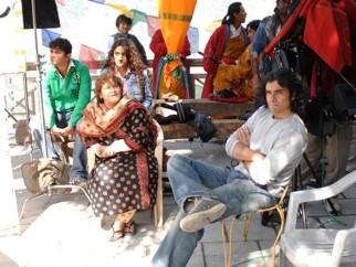 On The Sets Still From The Film Jab We Met Featuring Saroj Khan,Imtiaz Ali