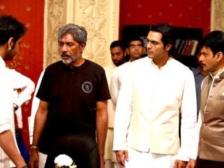 On The Sets Of The Film Raajneeti Featuring Prakash Jha,Arjun Rampal