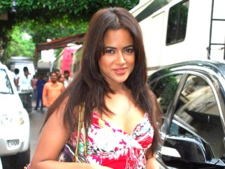On The Sets Of The Film De Dana Dan Featuring Sameera Reddy