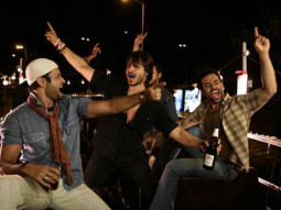 Movie Still From The Film Shoot Out At Lokhandwala Featuring Rohit Roy,Vivek Oberoi