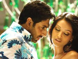 Movie Still From The Film Dhoom 2,Abhishek Bachchan,Bipasha Basu
