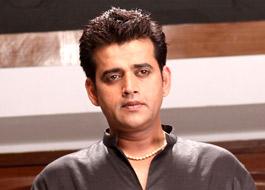 Ravi Kishan donates money to film technician's family