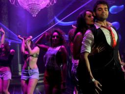 Movie Still From The Film Tukkaa Fitt,Vaishali Desai,Mahaakshay Chakraborty