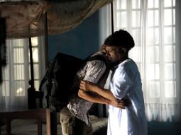 Movie Still From The Film Yeh Khula Aasmaan,Raghuveer Yadav