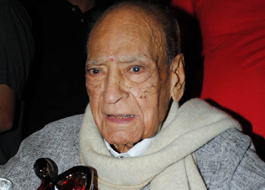 A K Hangal returns to acting