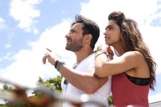 Movie Still From The Film Cocktail,Saif Ali Khan,Deepika Padukone