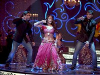 Movie Still From The Film Main Aur Mrs Khanna Featuring Preity Zinta,Sohail Khan,Yash Tonk