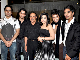 Photo Of Aman Verma,Sameer Aftab,Mehul Kumar,Jahan Bloch,Aditya Singh Rajput,Harsh Rajput From The Team of 'Krantiveer - The Revolution' at the launch of Amboli Bar and Kitchen