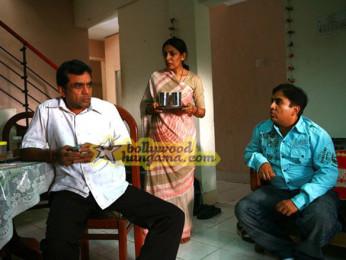 Movie Still From The Film Firaaq Featuring Paresh Rawal,Deepti Naval