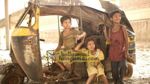 Movie Still From The Film Slumdog Millionaire Featuring Tanay Chheda,Ayush Mahesh Khedekar