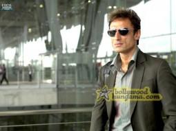 Movie Still From The Film Aa Dekhe Zara Featuring Rahul Dev