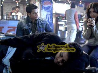 Movie Still From The Film 99 Featuring Cyrus Broacha,Kunal Khemu,Soha Ali Khan