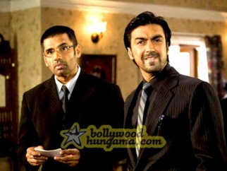 Movie Still From The Film Daddy Cool Featuring Sunil Shetty,Ashish Chowdhry