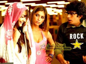 Movie Still From The Film Kal Kissne Dekha Featuring Kunal Kumar,Vaishali Desai