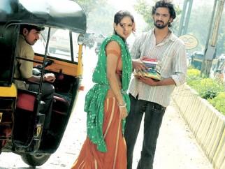 Movie Still From The Film Shahrukh Bola Khoobsurat Hai Tu,Preetika Chawla,Sanjay Dadheech