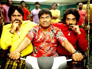 Movie Still From The Film Golmaal 3,Sanjay Mishra,Johny Lever,Vrajesh Hirjee