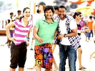 Movie Still From The Film Golmaal 3,Kareena Kapoor,Shreyas Talpade,Ajay Devgn