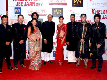 Photo Of Vijay Maurya,Vishakha Singh,Sikander Kher,Ashutosh Gowariker,Deepika Padukone,Abhishek Bachchan,Samrat Mukerji From The Premiere of 'Khelein Hum Jee Jaan Sey'