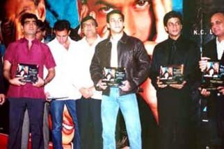 Photo Of Pritish Nandy,Kishen Kumar,Atul Agnihotri,K.C.Bokadia,Salman Khan,Shahrukh Khan From The Audio Release Of Hum Tumhare Hain Sanam