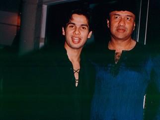 Photo Of Shahid Kapoor,Anu Malik From The Ishq Vishk Celebration Party