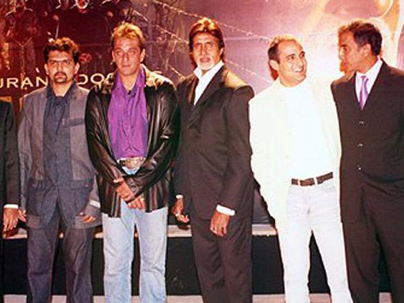 Photo Of Vinod Doshi,Gaurang Doshi,Sanjay Dutt,Amitabh Bachchan,Akshaye Khanna,Milan Luthria From The Launch Party Of Gaurang Doshi's Deewaar