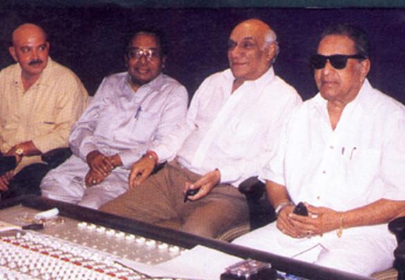 Photo Of Rakesh Roshan,Sachin Bhaumick,Yash Chopra,J.Om Prakash From The Mahurat Of Koi Mil Gaya