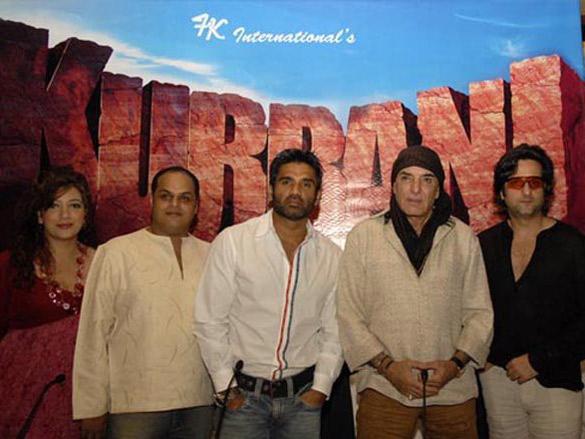 Photo Of Vekeana Dhillon,Puneet Sira,Suniel Shetty,Feroz From The IIFA Awards 2006 - Day 2