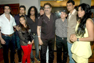 Photo Of Rajbeer Singh,Vinod Rathod,Bali Brahmabhatt,Kumar Sanu,Kalpana Mathur From The Audio release of 'Who's There'