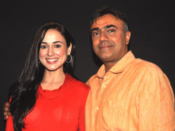 Photo Of Linda Arsenio,Rajit Kapoor From The Sohan Roy presents Sonu Nigam the screenplay of 'Dam 999'