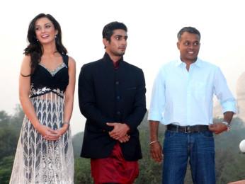 Photo Of Amy Jackson,Prateik Babbar,Gautham Menon From The Audio release of 'Ekk Deewana Tha' at Taj Mahal Agra