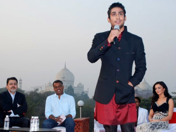 Photo Of Gautham Menon,Prateik Babbar,Amy Jackson From The Audio release of 'Ekk Deewana Tha' at Taj Mahal Agra