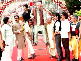 Movie Still From The Film Chaar Din Ki Chandni,Chandrachur Singh,Tusshar Kapoor,Anupam Kher,Om Puri,Sushant Singh,Mukul Dev