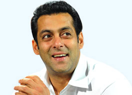 Salman handpicks drawings for Being Human T-shirts